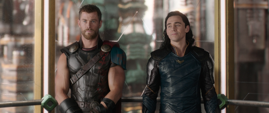 thor-ragnarok-chris-hemsworth-tom-hiddleston.jpg